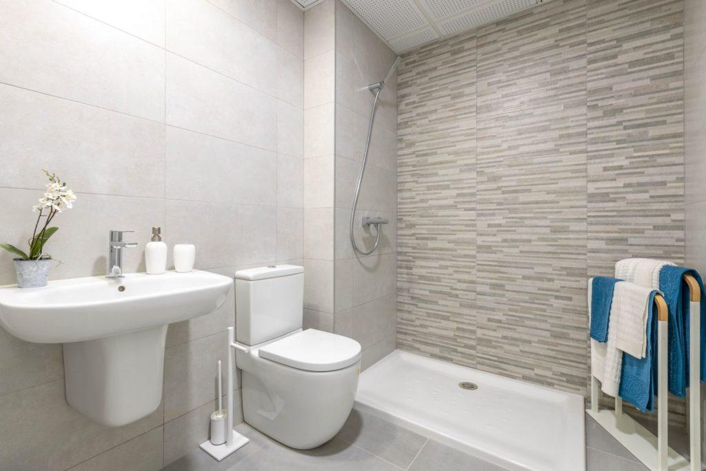 09-guest-bathroom-caada-homes-1500x1000